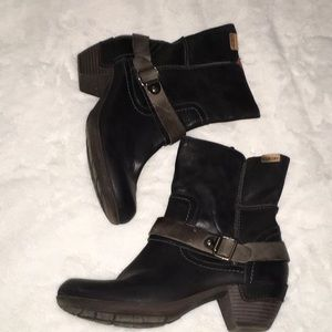 Like New Black Ankle Pikolinos Boots Size 39